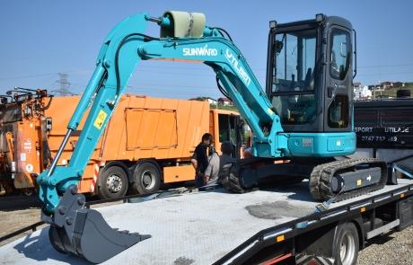Miniexcavator Sunward Transport