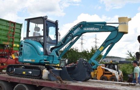 Mini excavator SWE40 UB livrare