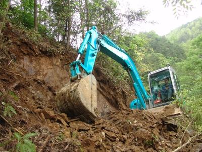 Lucrari mini excavatoare utilaje constructii